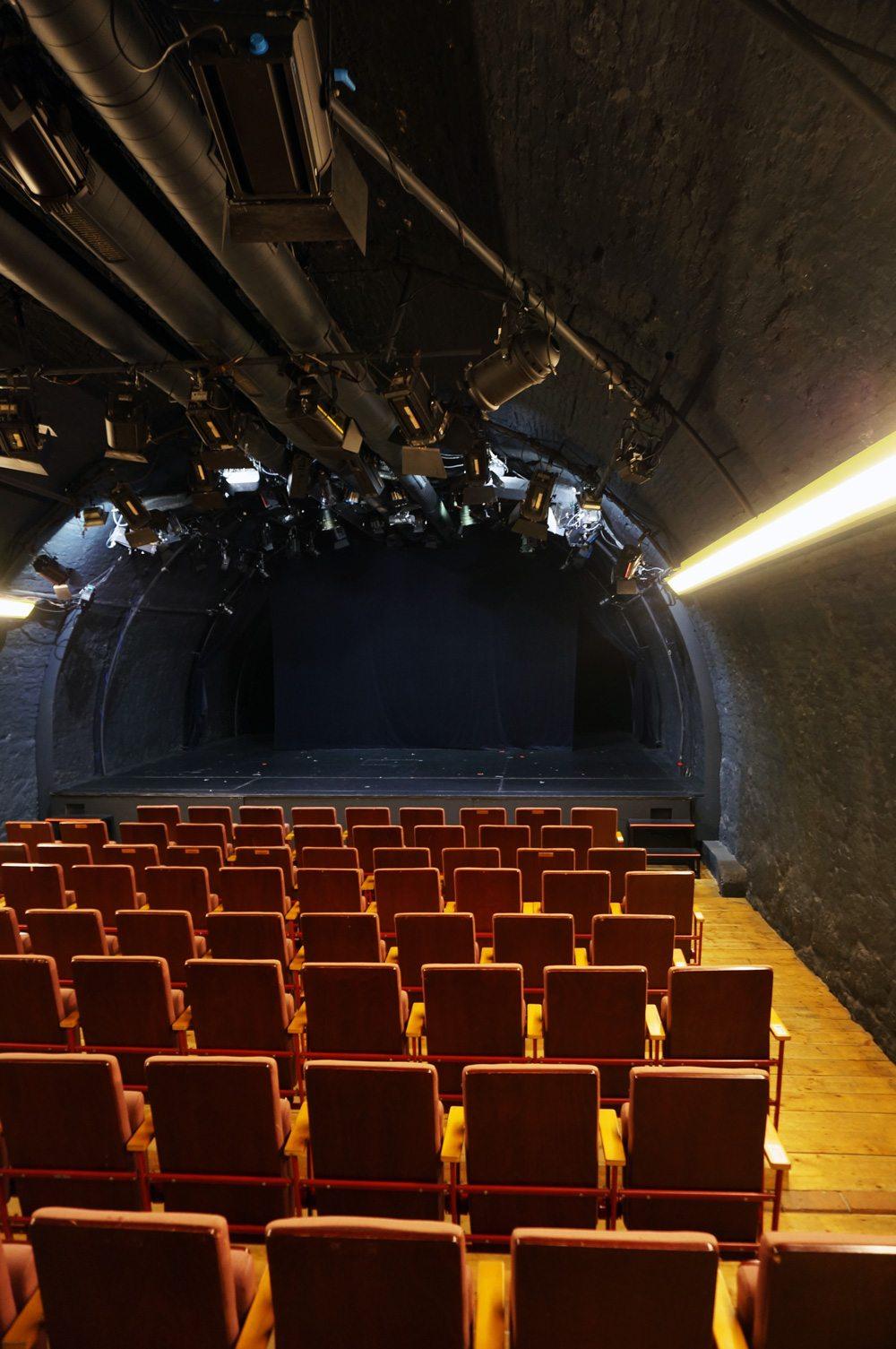 Bühne und Zuschauerraum