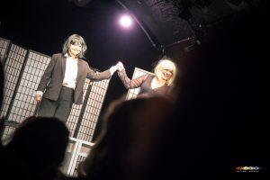 Premiere 2Frauenund1Leiche KleinesTheater Frühling2018 MichaelHerzog print 3856 300x200 - Premiere: Zwei Frauen und eine Leiche