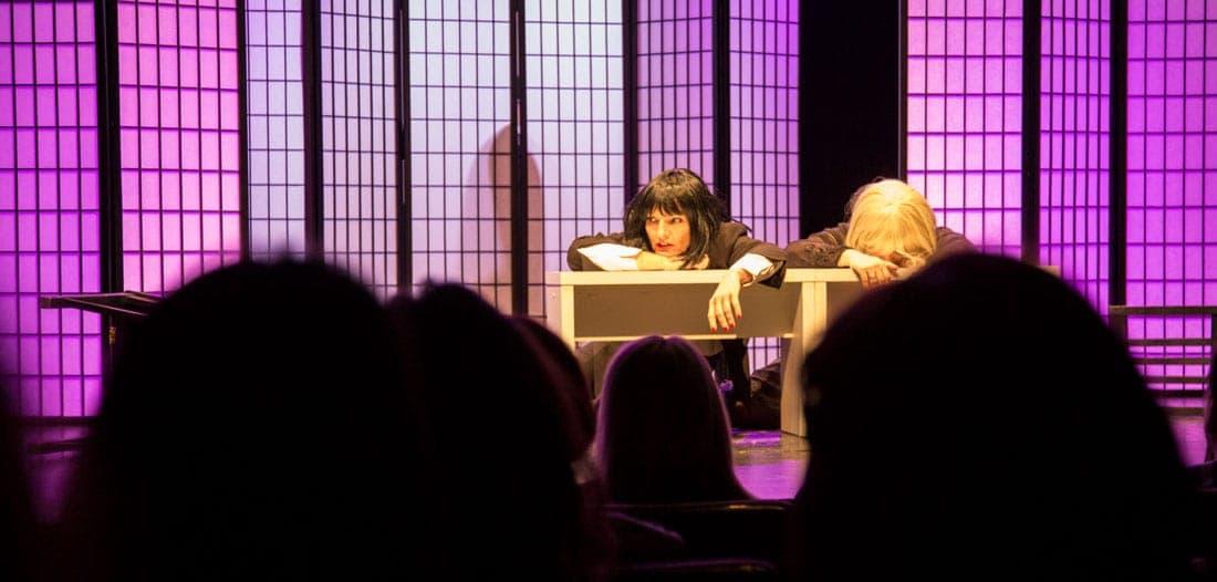 zweifrauen - Premiere: Zwei Frauen und eine Leiche
